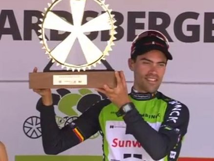Tom Dumoulin vince