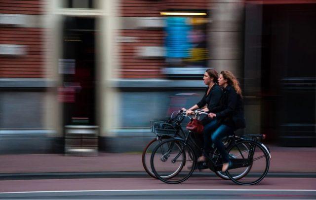 Ciclismo (fonte pixabay - Free-Photos)