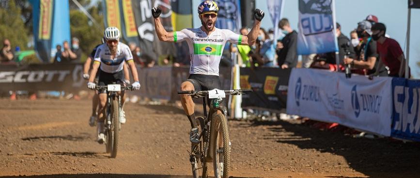 Henrique Avancini si è aggiudicato la gara maschile di Capoliveri Legend XCO (Credits: Michele Mondini)