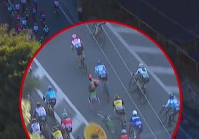 Cavendish cade alla Milano-Sanremo