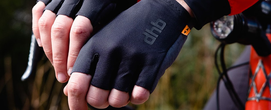 Aeron Mitts DHB with Elastic Interface technology REDUCED
