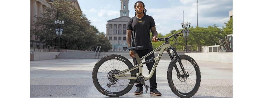 Canyon sponsorizza l'atleta BMX Brad Simms