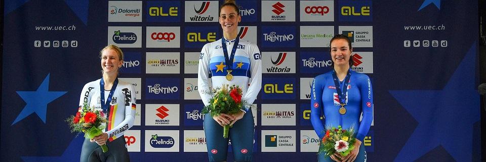 Il podio della crono individuale donne U23 degli Europei di ciclismo: Vittoria Guazzini (al centro), Hannah Ludwig (a sx) ed Elena Pirrone (a dx) (Credits: Bettini Photo);